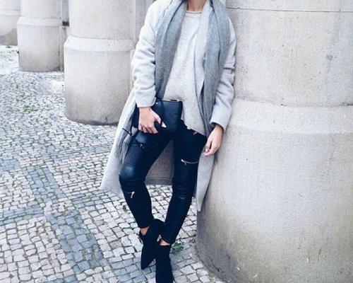 Acne Outfit in herbstlichen Farben mit dem Signature Schal in grau