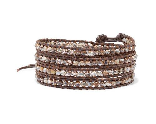Armbändern von Chann Luu.