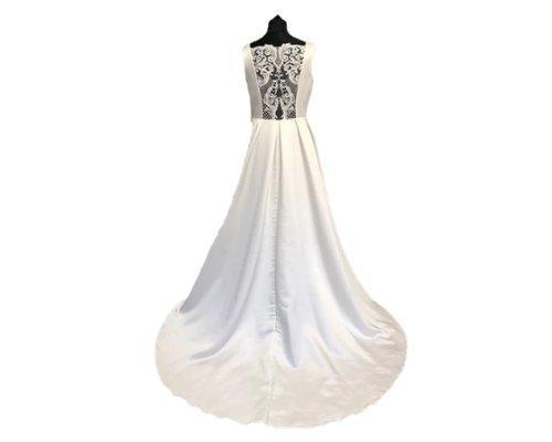 Braut Spitzenkleid von Bianco Evento