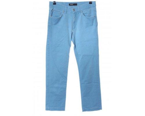 Bunte Hosen für Abwechslung in der Garderobe