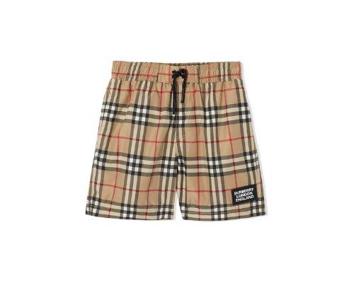 Burberry London Shorts und Shirt im klassischen Glencheck