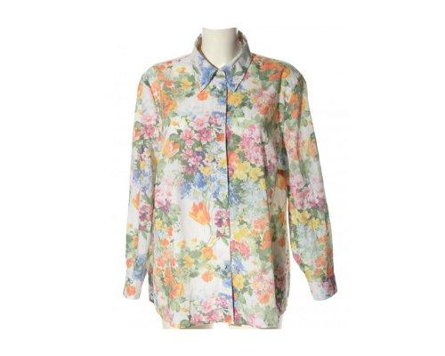 Eine schicke Bluse aus dem Atelier Goldner Schnitt für Freizeit