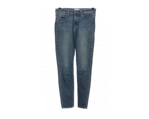 Paige Jeans gehen immer – schick und lässig mit High Heels und Wildleder Satchel