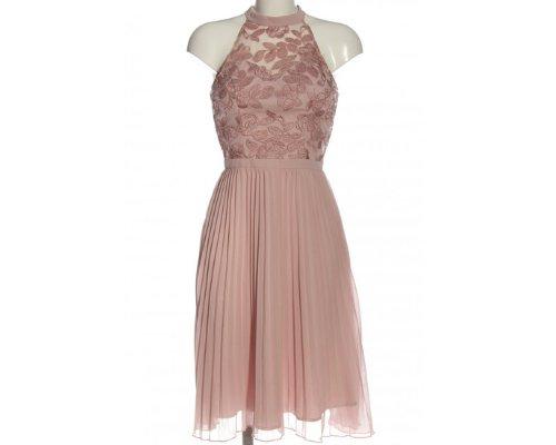 Rosafarbenes Billie-Kleid aus Spitze von Chi Chi London