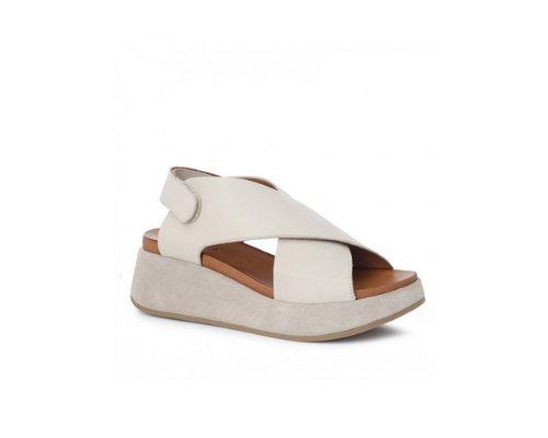 Sandalen von Inuovo werden durch  zum Hingucker