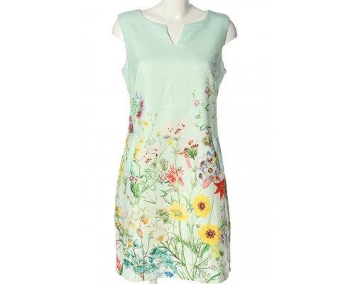 Schöne Kleider in floralem Muster