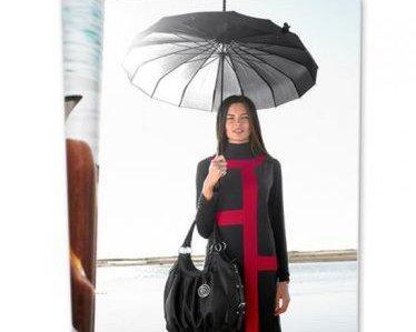 Schwarz-roter Mantel von Miss H.