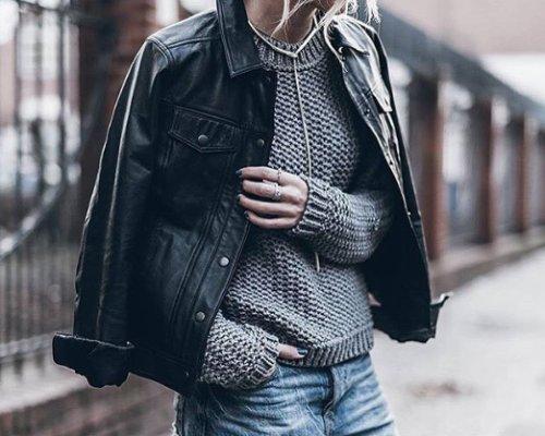 """Die schwarze Midnight Jacket im """"Classic leather look"""" von ADPT."""