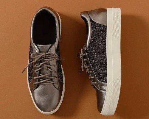 Stilsicher unterwegs, diese Sneaker von Staccato begleiten dich auf jede Mission