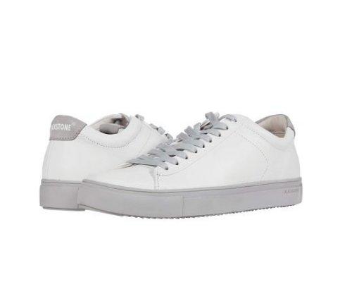Stylische Sneaker in Schwarz oder Weiß von Blackstone.