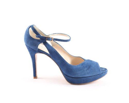 Toll für den spanischen Sommer: Hingucker-Sandalen in frischem blau