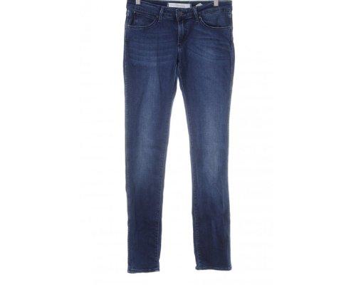 Trendig und lässig zugleich – die bequeme Wrangler low-waist Jeans