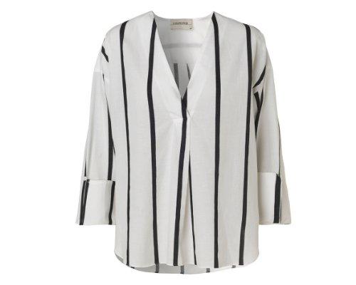 Weißes Shirt von By Malene Birger.