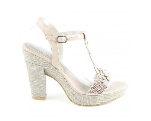 Wunderschöne Pateau-Sandallen von Liva Loop
