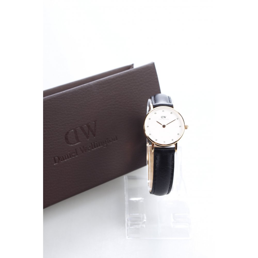 daniel wellington uhr mit lederarmband schwarz goldfarben. Black Bedroom Furniture Sets. Home Design Ideas