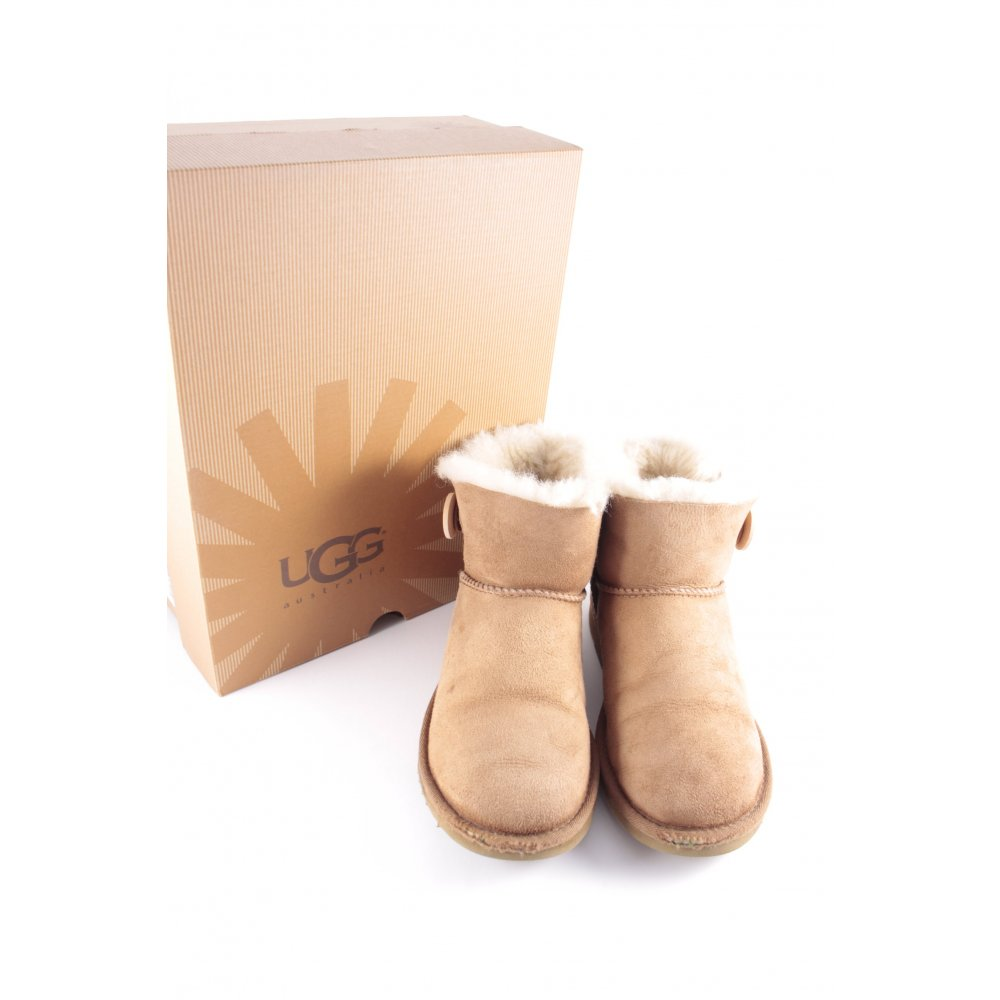 ugg australia boots w 39 s mini bailey button women s size uk 4 shoes. Black Bedroom Furniture Sets. Home Design Ideas