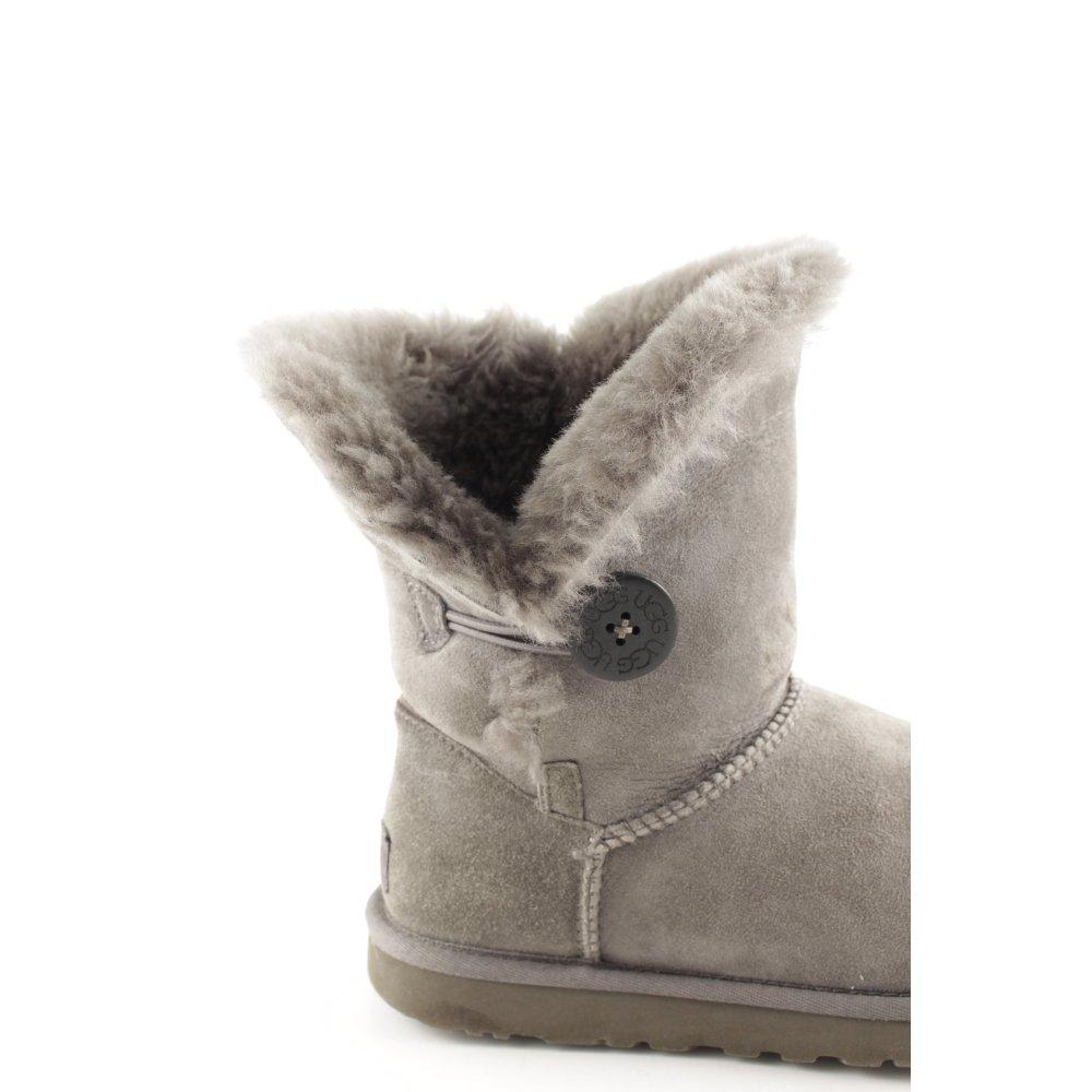 bottes ugg et neige
