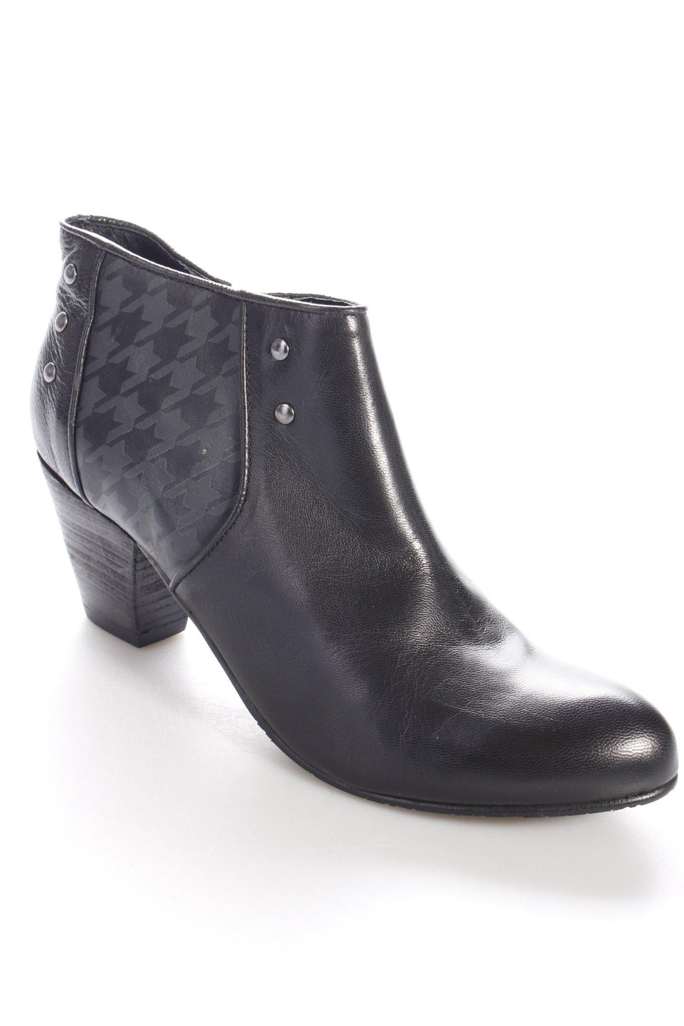 biba ankle boots schwarz nieten detail damen gr de 40. Black Bedroom Furniture Sets. Home Design Ideas