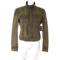 Belstaff Übergangsjacke olivgrün Street-Fashion-Look