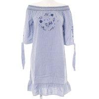 s.Oliver Langarmkleid weiß-blau florales Muster Street-Fashion-Look