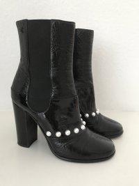 CHANEL Stiefeletten Schwarz 38 Leder Perlen Weiß CC-Logo Ankle Boots Black Pearl White