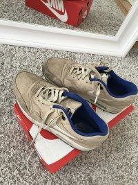Nike Air Max Sneaker für Männer // Größe 43