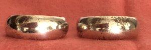 1 Paar goldfarbige Creolen Dm 16 mm