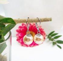 1 Paar Perl Ohrringe mit Silberbügel