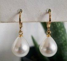 18k Gold Ohrringe mit weißer Tropfen-förmiger Perle