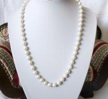 1960er Jahre pastellweisse Perlenkette Costume Jewelry