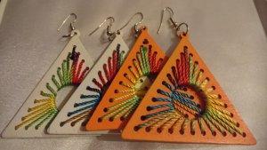 2 Paar Holz Ohrringe aus Afrika Orange und Weiß Handarbeit