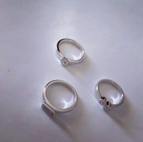 Metropolitan Silver Ring white-silver-colored