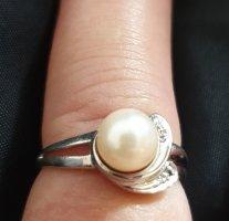 Złoty pierścionek srebrny