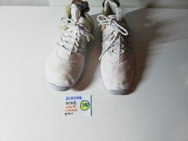 38,5 Schuhe Nike weiß creme grau
