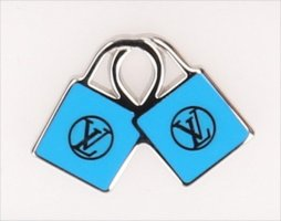 38932 Louis Vuitton Anstecken aus silberfarbenem Metall