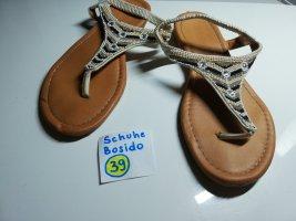 39 Sandalen