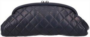 41848 Chanel CC Timeless Kisslock Clutch Handtasche aus Lammleder in schwarz