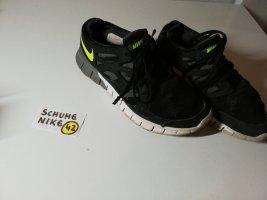 42 Schuhe Nike