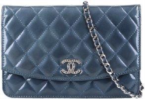 42176 Chanel CC Wallet on Chain Umhängetasche aus Lackleder in blau mit ID-Karte