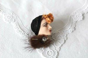 60er Jahre Vintage Resin Lady Brosche