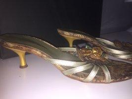 Valentino Tacones Mary Jane color bronce-marrón