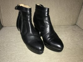 Acne Booties black