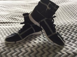 Adidas Stivale stringato nero-bianco