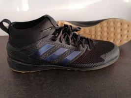 Adidas Hallenschuhe in Gr 43,5