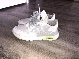 Adidas Sznurowane trampki jasnoszary