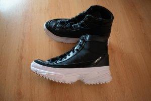 Adidas Originals Botas con cordones negro-blanco