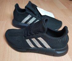 Adidas Basket à lacet noir