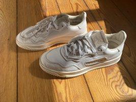 Adidas Originals Sznurowane trampki biały Skóra