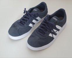 Adidas Schuhe grau weiss Gr 41