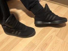 Adidas Schuhe Schwarz Gr. 43